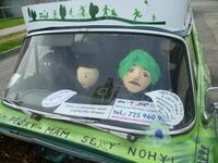 Rozkvetlé auto obohatily mluvící děti