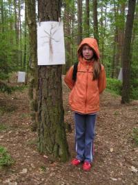 Vernisáž v lesní galerii